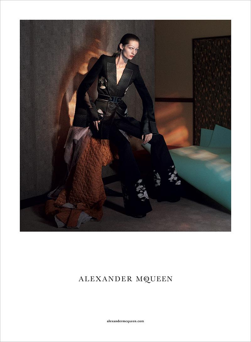 Alexander-McQueen-SS15-Campaign-02