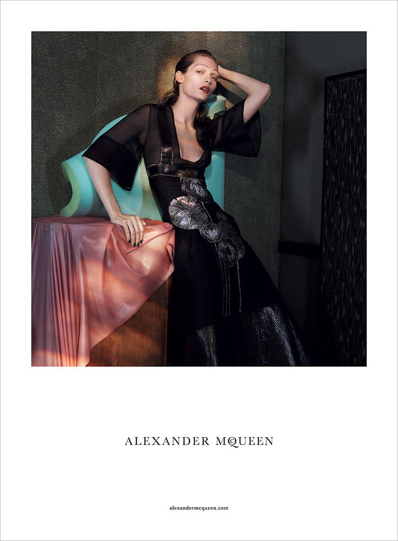 Alexander-McQueen-SS15-Campaign-05