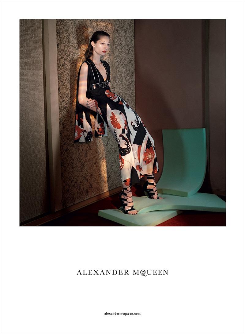 Alexander-McQueen-SS15-Campaign-06