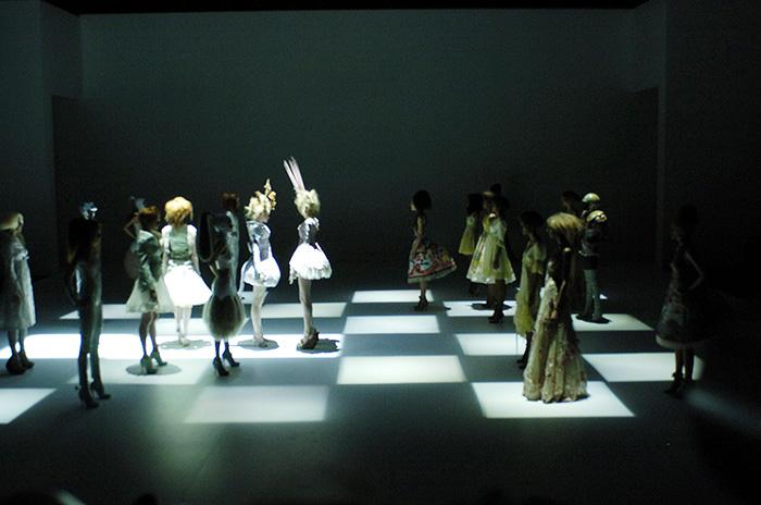 alexander-mcqueen-savage-beauty-preview-va-museum-london-ftape-06